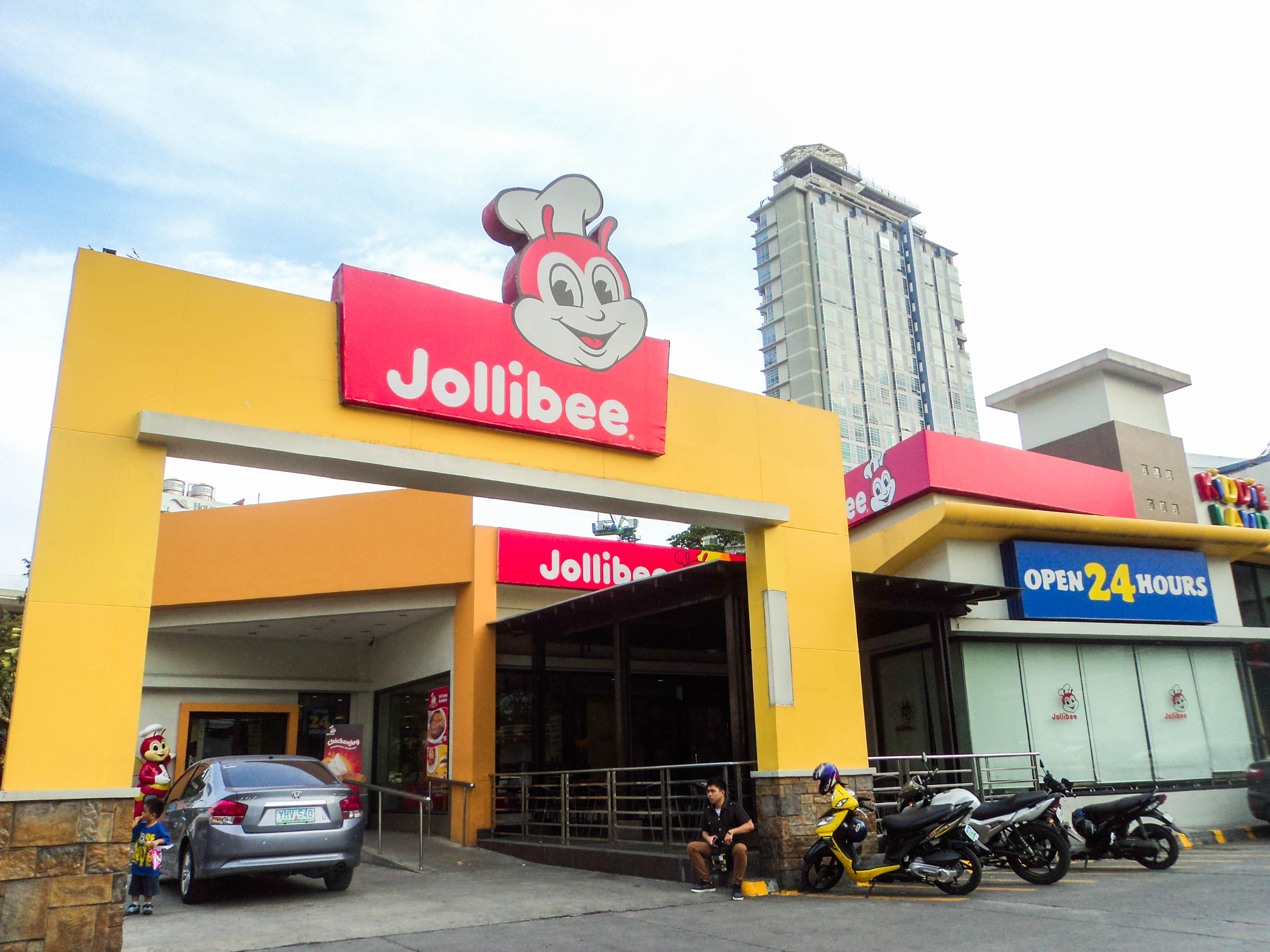 The Philippines' number 1 fast food chain, Jollibee.