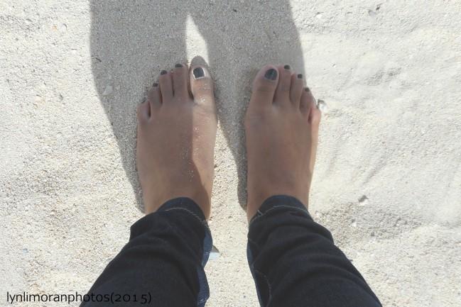 足も砂に埋まって気持ちいいです