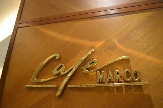 さて、ここからマルコポーロのディナーブュッフェのツアーが始まりますよ!