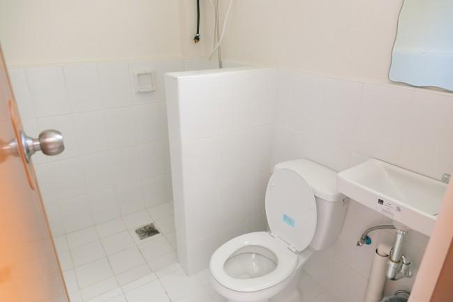 dormitory toilet02