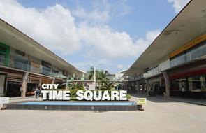 s-TimeSquare1_outside
